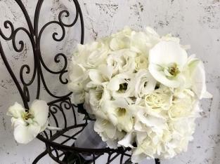 Букет невесты из белой фрезий