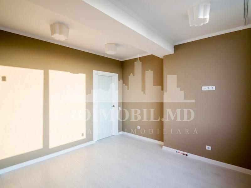Se vinde apartament cu 2 camere in sectorul Rascani str.Florilor sup. 56m2