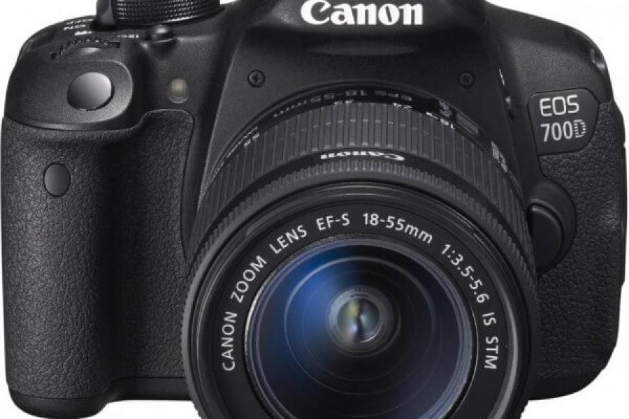Vand aparat foto Canon EOS 700D Kit EF-S 18-55mm IS STM