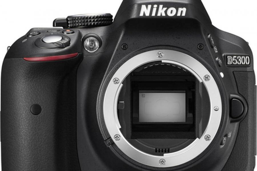 Vand aparat foto Nikon D5300 body - fara obiectiv!