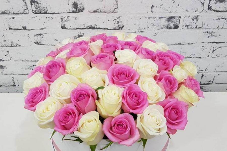 Предлагаем вам Цветы в коробках на заказ