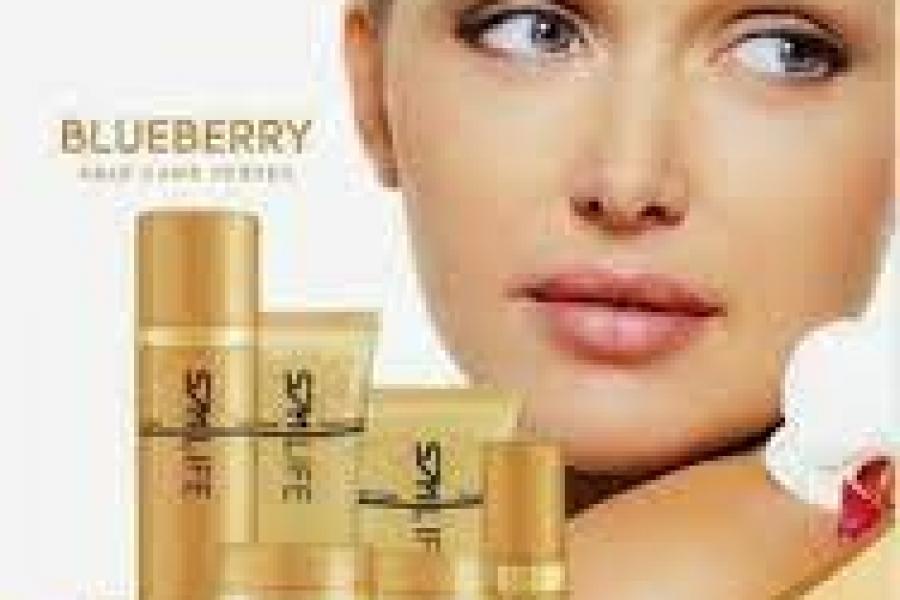 Cosmetică naturală pe bază de afine